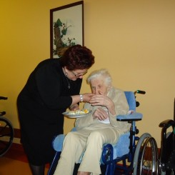 Załad pielęgnacyjno opiekuńczy w Żołyni - Wielkanoc 2013